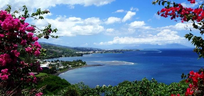 Vue sur Papeete et Moorea