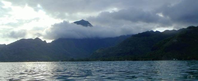 Coucher de soleil sur Moorea, vu du lagon - Cliquer pour agrandir